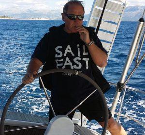 <span>Skipper Erwin, Obmann</span><i>→</i>